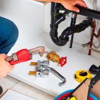 Servicios de mantención eléctrica básica y gasfitería